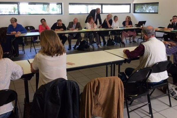 Une quinzaine de familles de disparus participent à la réunion sous l'égide de l'ARPD à Lyon ce 27 avril 2018