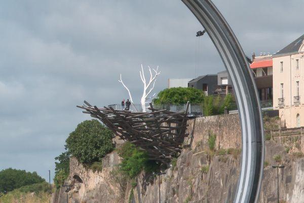 Le nid du Voyage à Nantes vu depuis les anneaux de Buren
