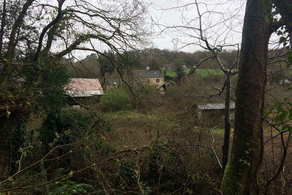 La ferme d'Hubert Caouissin à Pont-de-Buis dans le Finistère, le 12 mars 2019