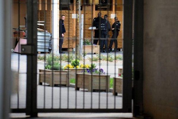 L'adolescent a été incarcéré au centre pénitentiaire de Mézieu dans le Rhône.
