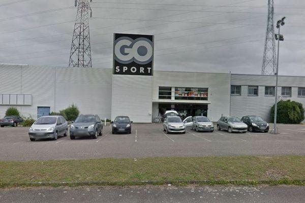 Le magasin Go Sport de Lampertheim est toujours fermé. Une employée a reconnu avoir incendié les locaux à cinq reprises.