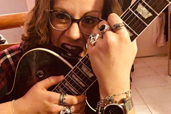 Rockeuse dans l'âme, Marie Vernet va avoir l'occasion de démontrer ses talents de guitariste au stade de France.
