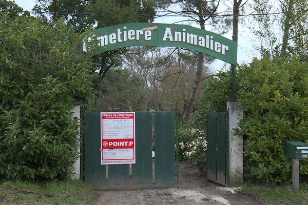C'est dans ce cimetière animalier de Cadaujac en Gironde que Chantal voulait se faire inhumer en compagnie de ses chiens adorés