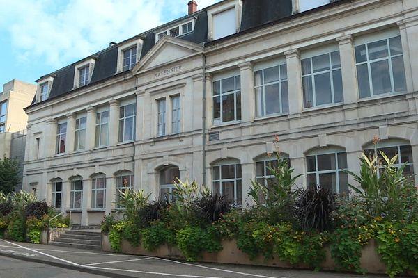 La maternité de Cahors, située au sud, est la seule du département depuis 2009.