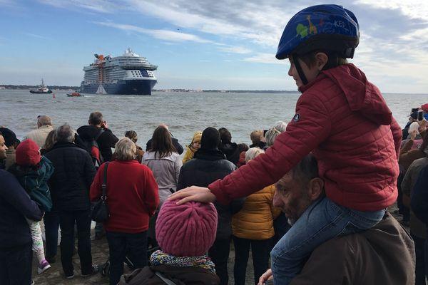 La foule était au rendez-vous pour le départ du Celebrity Edge, des milliers de personnes à Saint Nazaire et sur la côte ont dit adieu au luxueux navire