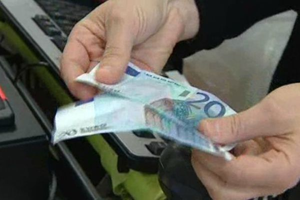 A Montluçon, l'apparition de fausses coupures est un phénomène plutôt rare, c'est pourquoi la police a décidé d'alerter les commerçants et la population.
