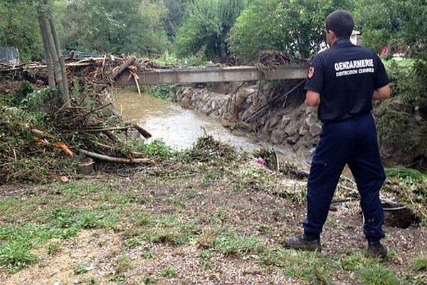 Lamalou-les-Bains (Hérault) - les gendarmes de l'identification judiciaire sur les lieux du drame - 19 septembre 2014.
