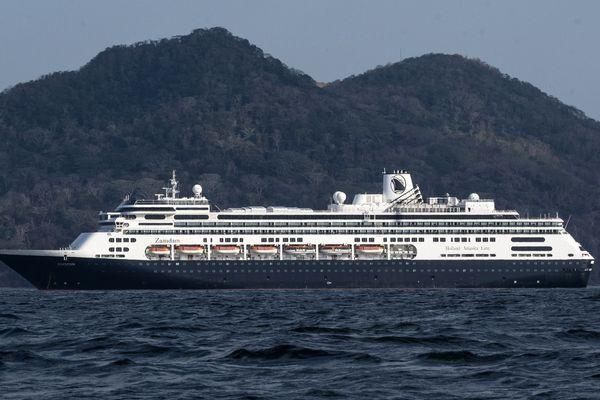 Le Zaandam, au large du Panama le 28 mars.