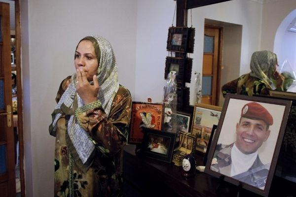 A Sotteville-lès-Rouen, la mère du militaire Imad Ibn Ziaten, première victime de Mohamed Merah.