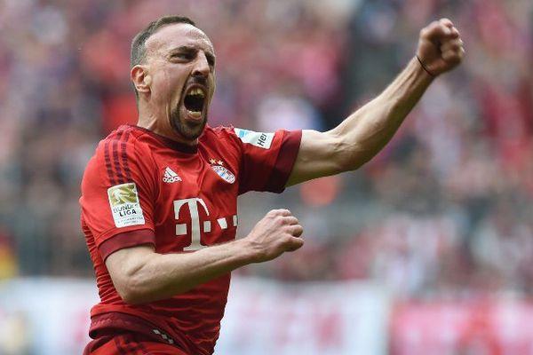 Franck Ribéry offre la victoire au Bayern avec un but magnifique, pour son 200e match de Bundesliga.