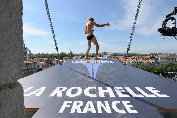 La Rochelle : les athlètes réalisent des sauts depuis une hauteur équivalente à un immeuble de 8 étages.