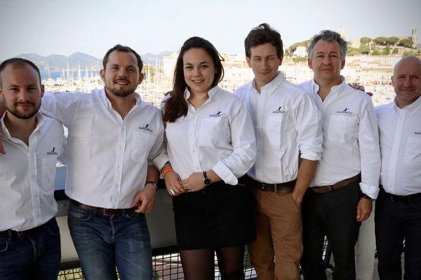 L'equipe Mandrego autour de Franck Frugier (2e à droite) lors d'une convention à Cannes