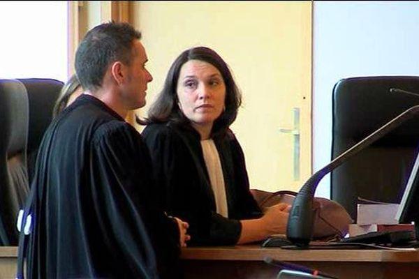 L'avocate générale et l'avocat de la défense lors du procès de l'infanticide le 25 mars 2016.