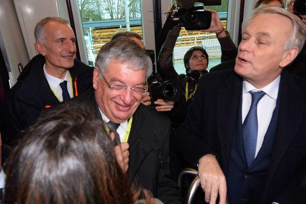 Jean-Marc Ayrault, aux côtès de Jacques Auxiette lors de sa visite pour la ligne Tram-train Nantes/Chateaubriant