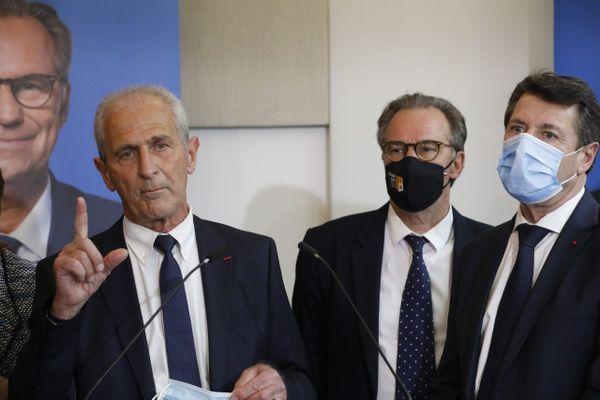 Avril 2021. Le maire de Toulon Hubert Falco (G), lors de l'annonce de la candidature aux régionales de Renaud Muselier, en présence de Christian Estrosi (D)