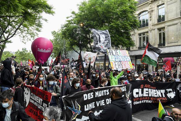 Manifestation anti-fasciste à Paris ce samedi 5 juin 2021, à la mémoire de Clément Méric. Il y a 8 ans le jeune Brestois était tué par 2 skin-heads.