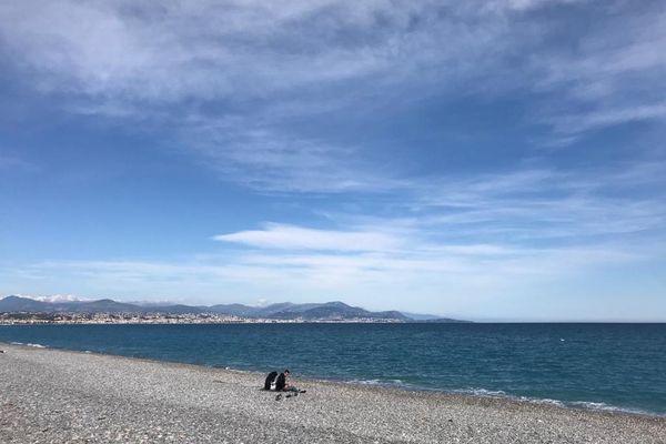 Le confinement le week-end sur le littoral desAlpes-Maritimes, envigueur depuis trois semaines, pourrait être prolongé aux samedi et dimanche à venir. Ici à Antibes-La Fontonne, le 13 mars.