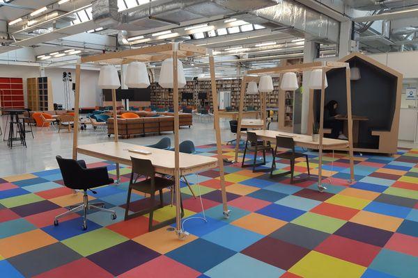 A Tours, Mame a ouvert son espace coworking aux étudiants de la ville.