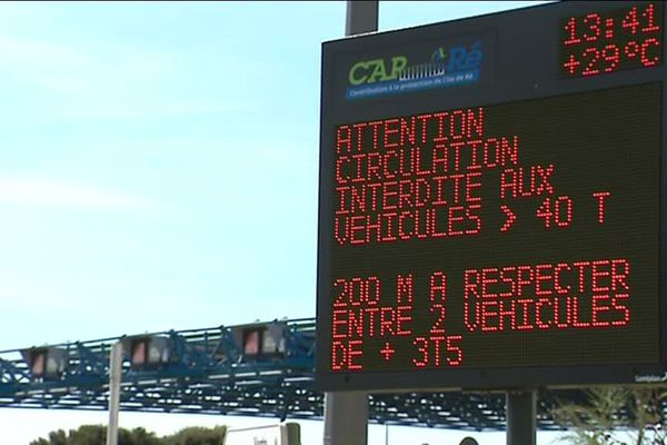 Interdiction de circulation pour les plus de 3,5 tonnes sur le pont de l'île de Ré ce lundi 24 septembre dans la nuit (photo d'illustration)