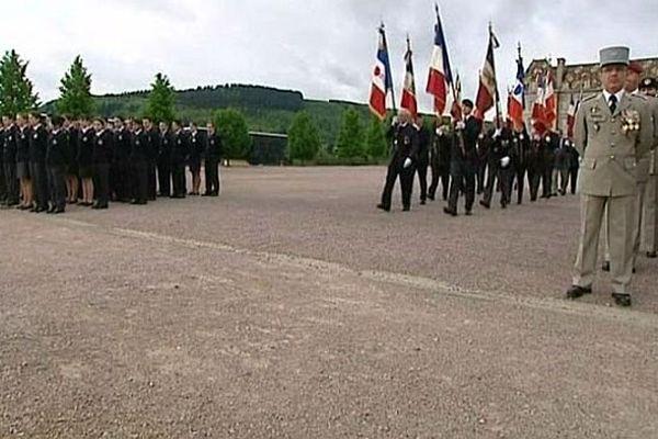 Les cérémonies du 8 mai 1945 au lycée militaire d'Autun, en Saône-et-Loire