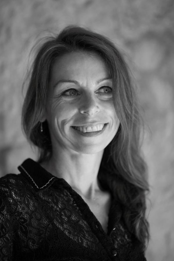 """Avec sa compagnie """"Le Cincle Plongeur"""", Anne-Laure est aussi l'auteure et l'interprète de superbes pièces, très poétiques, où les tout-petits sont les bienvenus"""