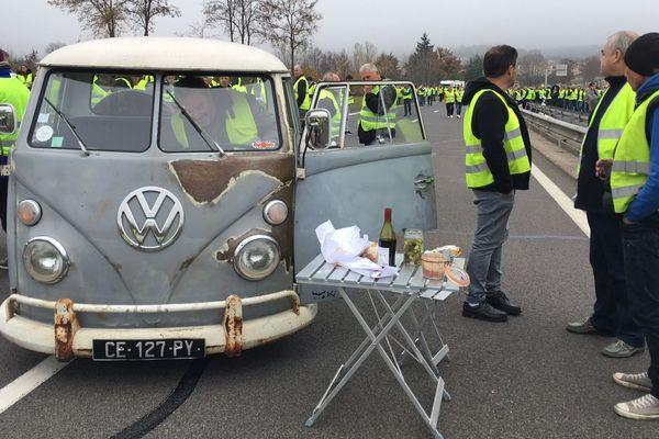 Près du Puy-en-Velay les gilets jaunes ont commencé leur mobilisation le 17 novembre (comme sur cette photo)