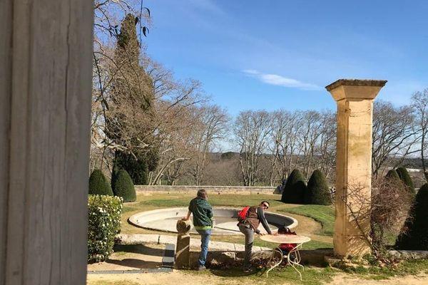 Les jardins ont été dessinés par Lenôtre, jardinier du Roi Soleil, le roi Louis XIV.