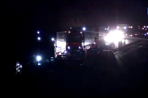 L'autoroute A11 est coupée dans les deux sens entre Durtal et Seiches-sur-le-Loir