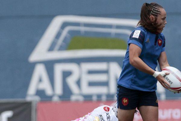 Shannon Izar, ailière de l'équipe de France féminine de rugby