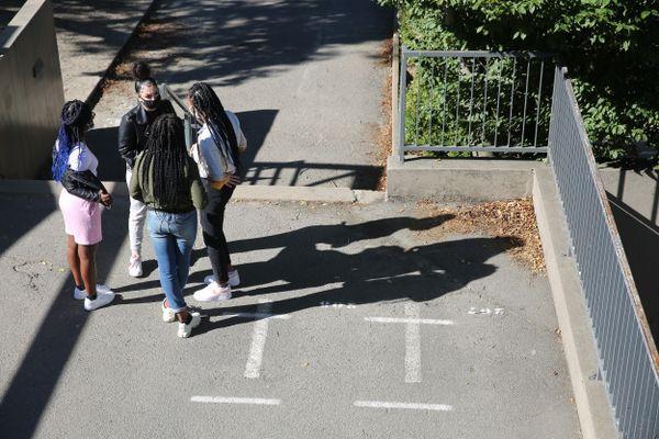 A partir du 28 septembre, le port du masque sera obligatoire dans l'Orne aux abords des écoles, collèges, lycées un quart d'heure avant et après l'entrée ou la sortie des élèves des établissements.