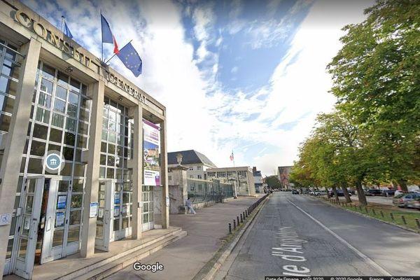 Le conseil départemental du Loire-et-Cher.