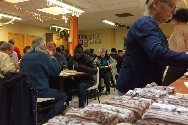 Repas de Noël à l'association La Bonne Assiette à Limoges.