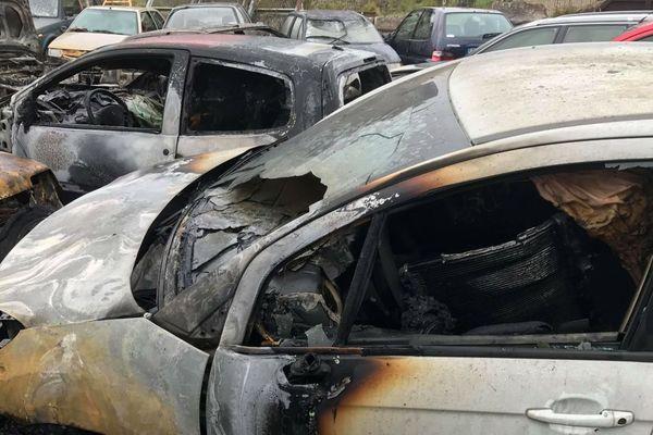 Une recrudescence d'incendies de voiture a lieu dans le Bassin minier et la ville de Montceau-les-Mines notamment.