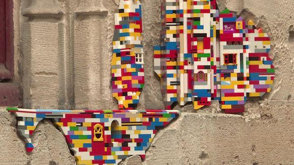 8 octobre 2020 - œuvre sur la façade du palais de justice de Rouen