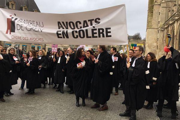 Les avocats prennent part à la manifestations à Caen, 9 janvier 2020