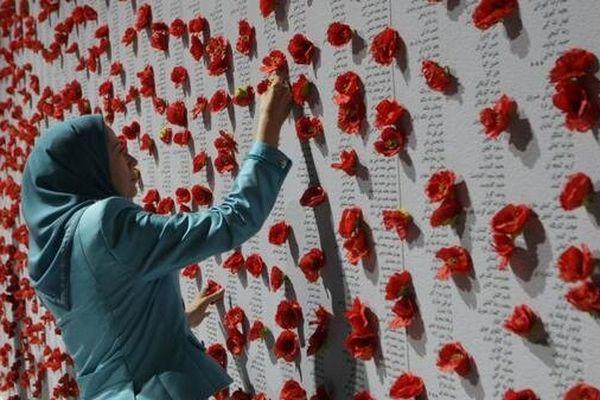 Maryam Rajavi rend hommage aux martyrs de liberté de l'Iran grand meeting de la résistance iranienne à Villepinte