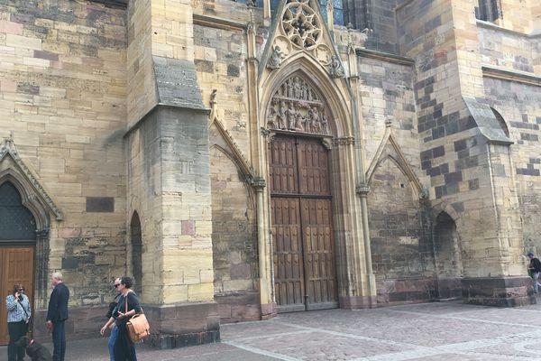 La cathédrale (officiellement collégiale) de Colmar (Haut-Rhin) a été inscrite aux monuments historiques en 1840.