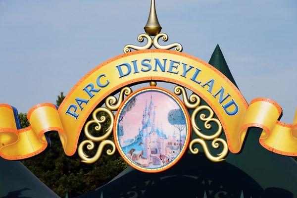 La réouverture de Disneyland Paris, prévue le 2 avril, de nouveau reportée