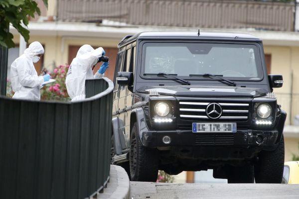 13 septembre 2018, Guy Orsoni, fils de l'ancien leader nationaliste Alain Orsoni, pris pour cible au volant de sa voiture blindée à Ajaccio (Corse-du-Sud).