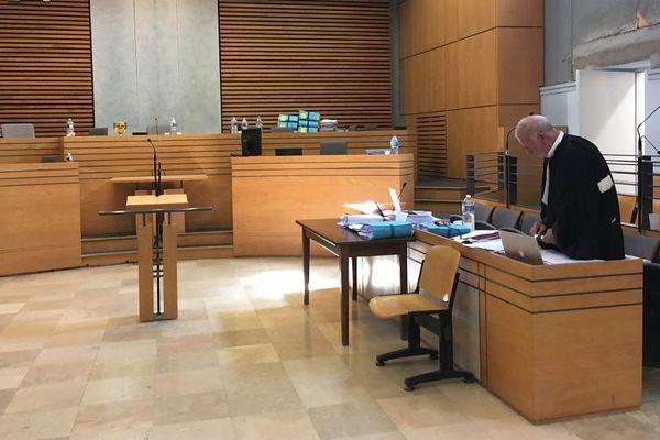 La salle d'audience du palais de justice d'Albi.
