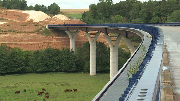Près de Dieppe travaux de raccordement du viaduc de la Scie à la RN27 - Archives
