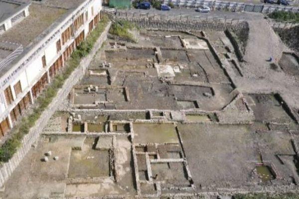 Au terme de plusieurs mois de fouilles, en 2013 et 2014, c'est tout un quartier résidentiel qui vient d'être découvert sur le terrain de l'ancienne gare de Clermont-Ferrand.