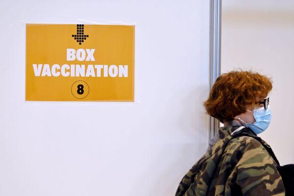 Des nouvelles doses de vaccins sont arrivées dans les centres de vaccination.
