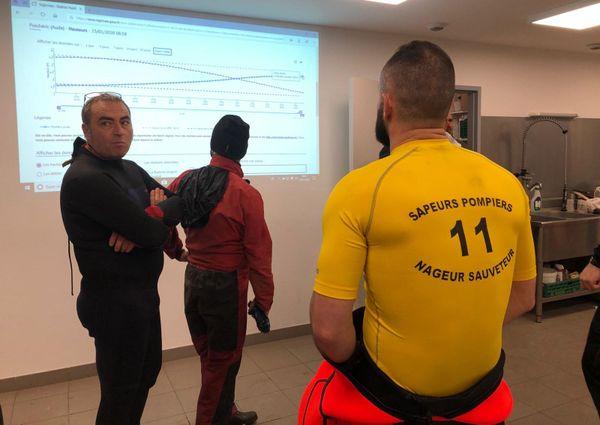 Les pompiers se préparent à intervenir au centre de Puichéric
