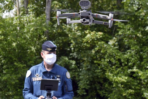 Parmi les équipements de sécurité prévus, Oyonnax prévoit d'acquérir des drones, caméras de vidéo-surveillance, ou encore du matériel pour les équipements motos de la police municipale.