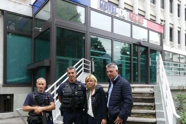 Michel Savin et Frédérique Puissat à l'hôtel de police, le 6 septembre 2018