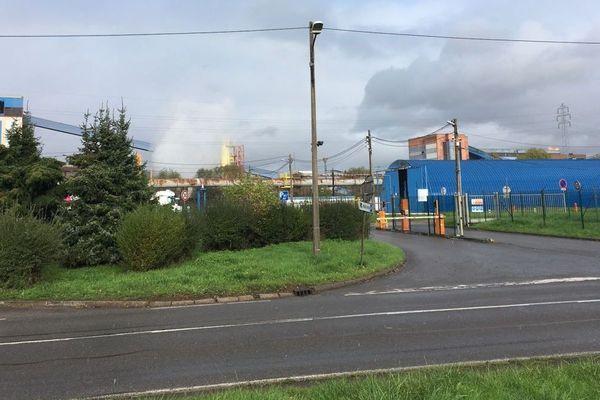 De l'acide sulfurique est l'origine d'une pollution de la Fensch au niveau de la cokerie de l'usine ArcelorMittal de Florange, mercredi 30 octobre 2019.