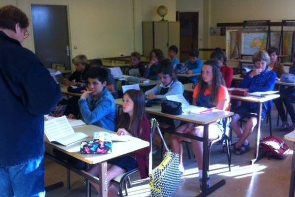 Rentrée scolaire dans l'une des deux classes de 6eme du collège public Michel Lotte à Belle-Île-en-Mer