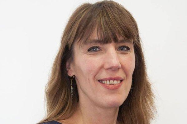 Christine Revault est attachée parlementaire et conseillère régionale d'Ile-de-France (depuis 2004). Cette élue du Val-de-Marne siège depuis quelques semaines au parlement européen, en tant que suppléante, suite à la nomination d'Harlem Désir.