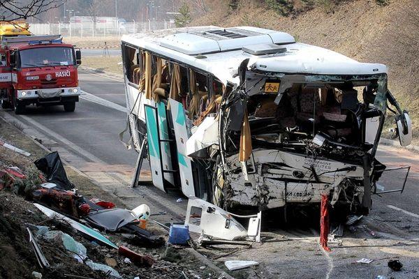Accident bus scolaire République Tchèque - 08/04/2013